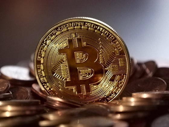 Best answer to the question: how can I earn bitcoin on The Internet. Which business will pay me in bitcoin? In USA, Canada, UK and in Australia and New Zealand, Singapore and Malaysia, India and global business
